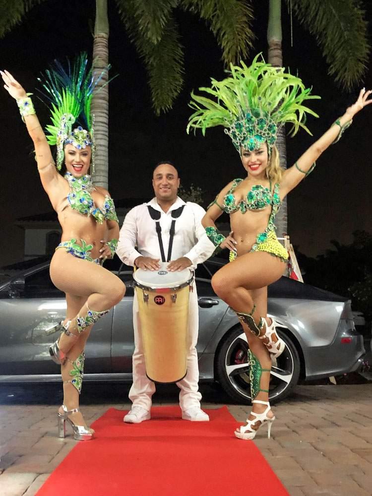 brazilian-samba-dancers-1