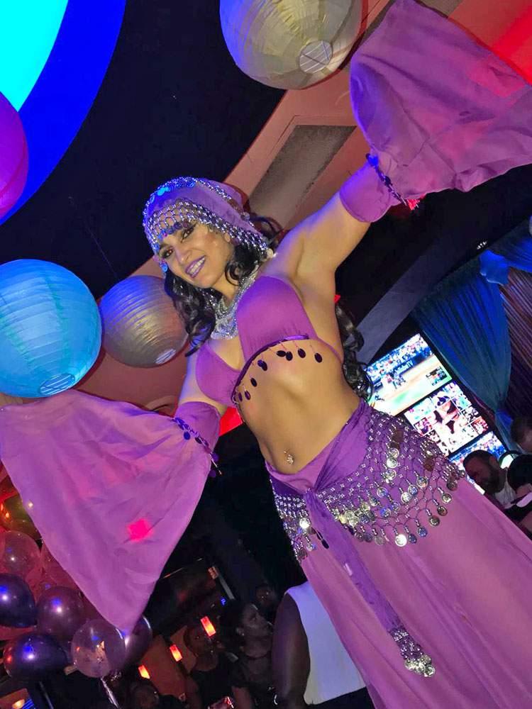 circus-entertainment-performer-fortune-teller-2