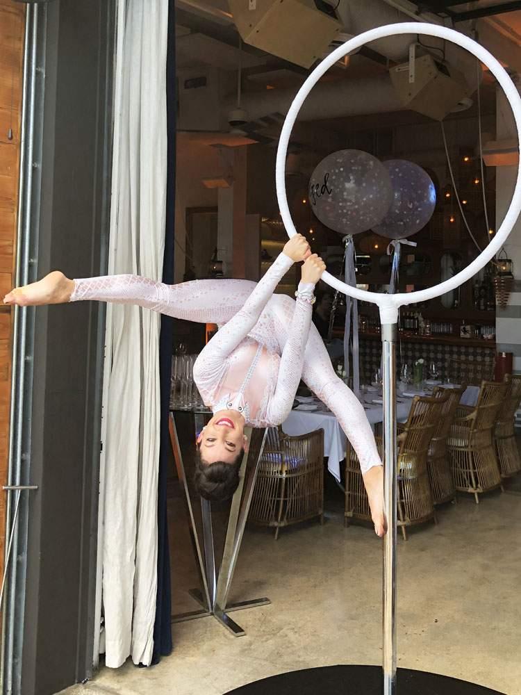 circus-entertainment-performer-lollipop-entertainer-3