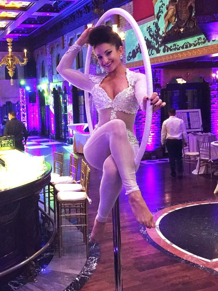circus-entertainment-performer-lollipop-entertainer-6