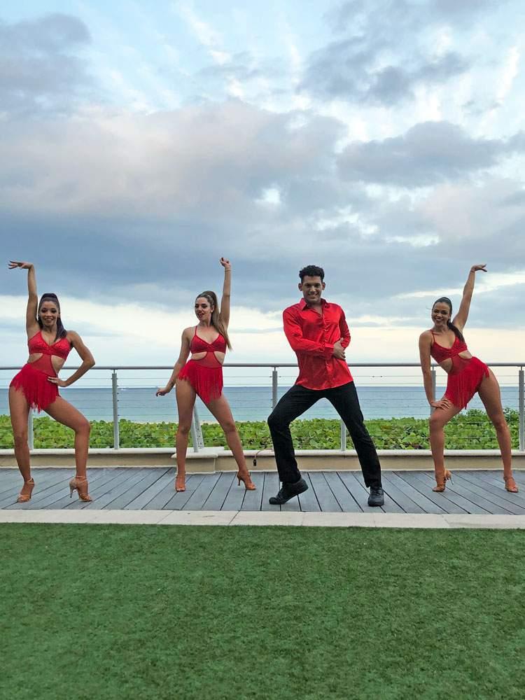 salsa-dancers-1